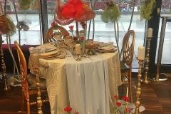 złote krzesła ślubne